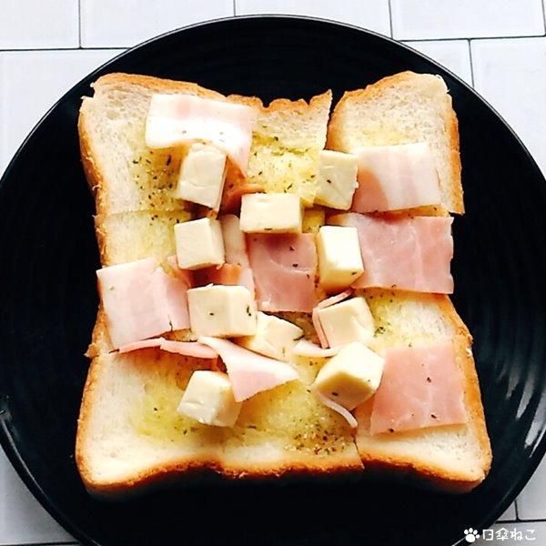 アヒージョ風ちぎりパン1